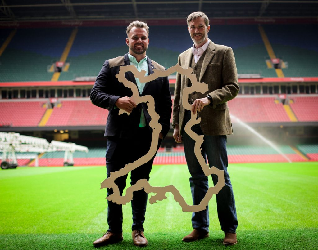 paralympic-gold-medallist-aled-davies-mbe-and-principality-stadium-facilities-manager-darren-crossman-support-go-green-day-jpg
